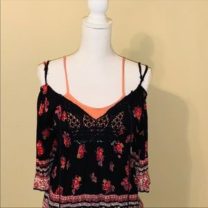 Free People pull over blouse size medium